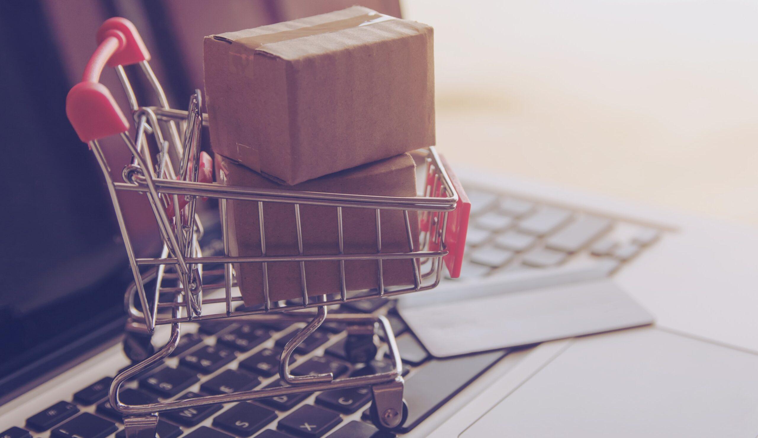 Adesivi per packaging e-commerce: il settore in continua espansione