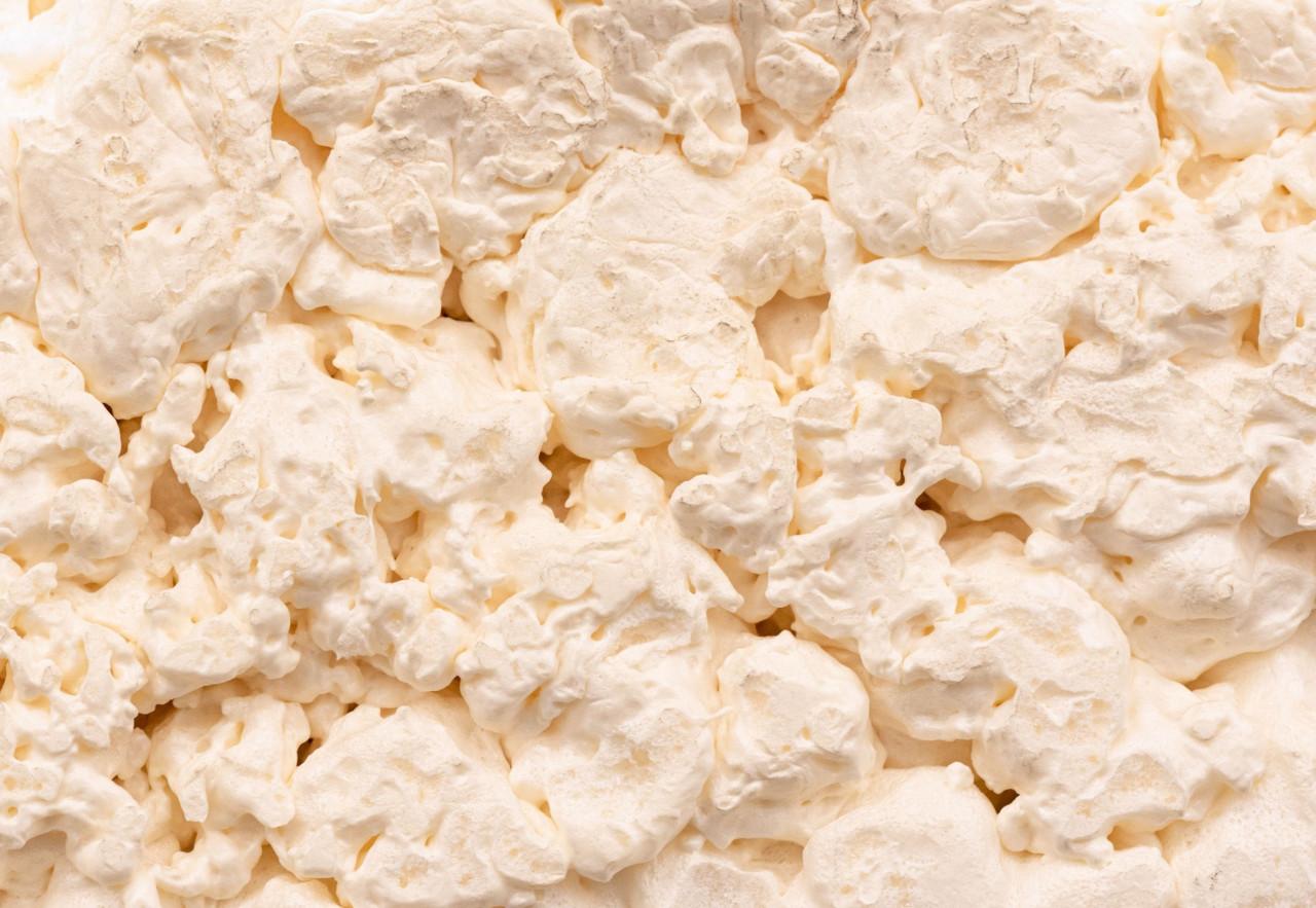 Quali sono i vantaggi della schiuma siliconica rispetto alla schiuma poliuretanica?
